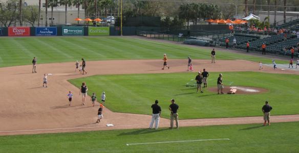 kids-run-bases